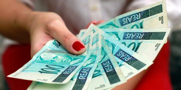 A maneira mais fácil de ter dinheiro é vender milhas TAM