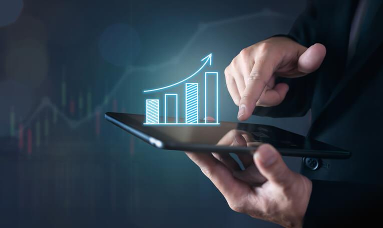 Imagem mostra gráfico de avaliação de desempenho de como vender milhas com segurança e dicas de encontrar a empresa mais confiável